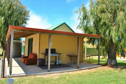 Bathers Paradise Caravan Park Esperance Camp Kitchen with TV
